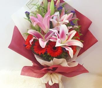 Hand Bouquet 242