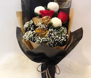 Hand Bouquet 244