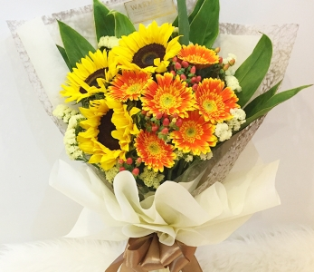 Hand Bouquet 245