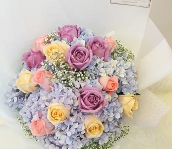 Hand Bouquet 254