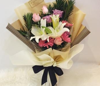 Hand Bouquet 256