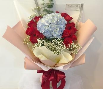 Hand bouquet 310