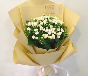 Hand bouquet 313