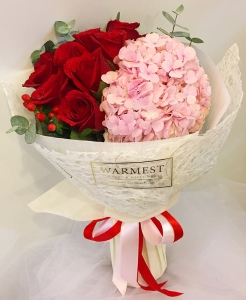 Hand bouquet 326
