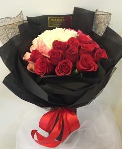 Hand bouquet 327