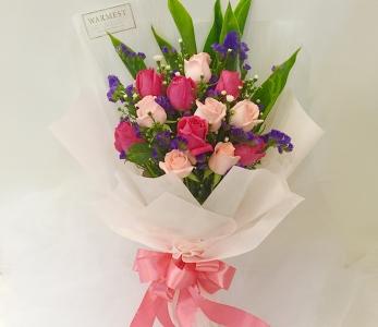 Hand bouquet 335