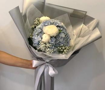 Hand bouquet 336
