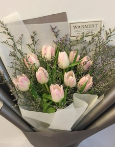 Hand Bouquet 345