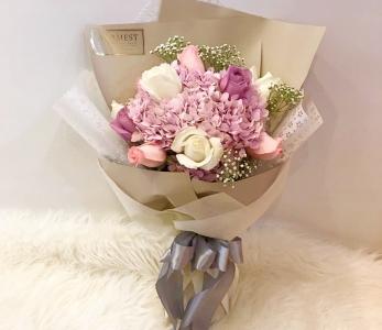 Hand Bouquet 280