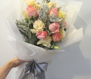 Hand Bouquet 222