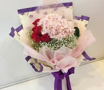Hand Bouquet 225